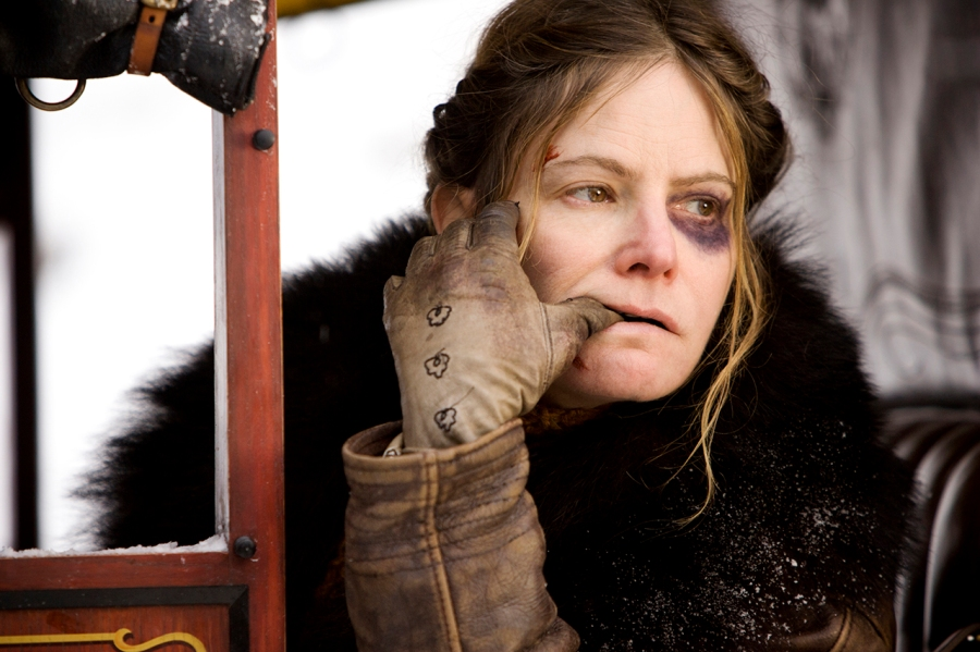JENNIFER JASON LEIGH stars in THE HATEFUL EIGHT. Photo: Andrew Cooper, SMPSP © 2015 The Weinstein Company. All Rights Reserved.